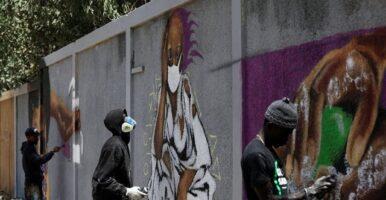 آثار کرونایی بر دیوارهای شهرهای جهان